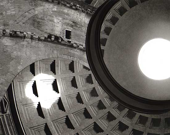 B&W Pantheon ceiling hole, Rome